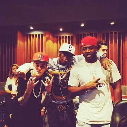 (L-R) Justin Bieber, Birdman and Mack Maine