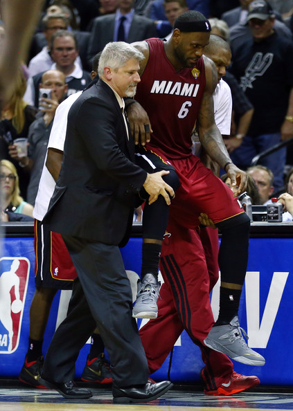 lebron james carried off court