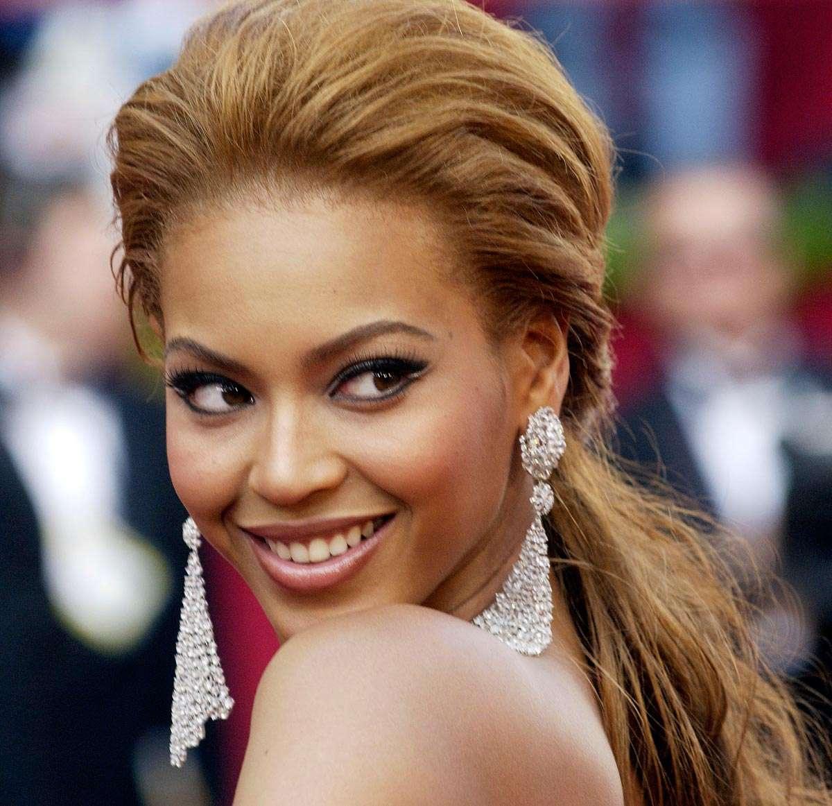 Beyonce-hair up