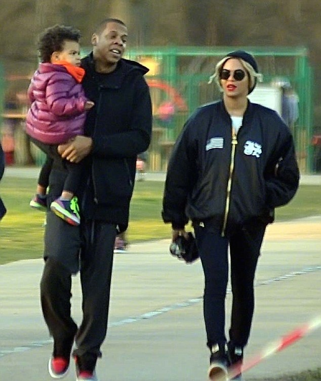 Beyonce2 Jay-Z-On-The-Run-Tour-Blue-Ivy