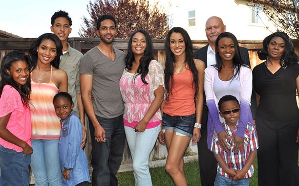"""The Artiaga Family of """"Famous in 12,"""" cancelled by The CW"""