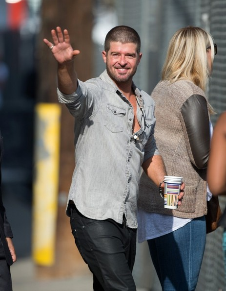 Robin Thicke spotted out in Hollywood. (June 26, 2014)