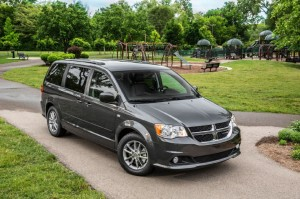 2014-dodge-grand-caravan-sxt-30th-anniversary-edition-front-passengers-side-view