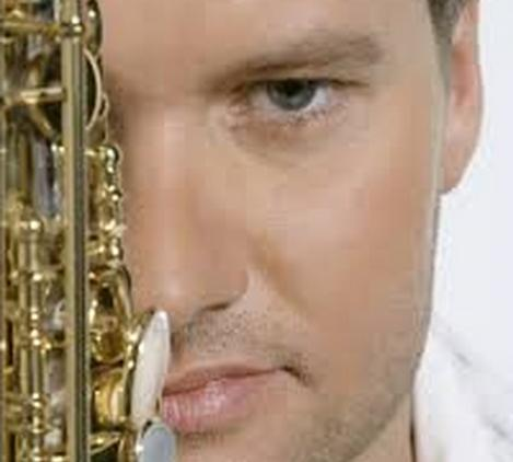 michael lington face & sax1