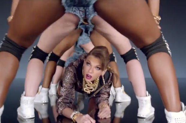 the Twerking in Taylor Swift   s Video Perpetuating Black StereotypesWomen In Music Videos Stereotypes