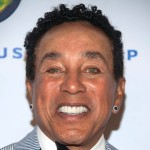 Smokey Robinson Urges Corporate Investment in Detroit