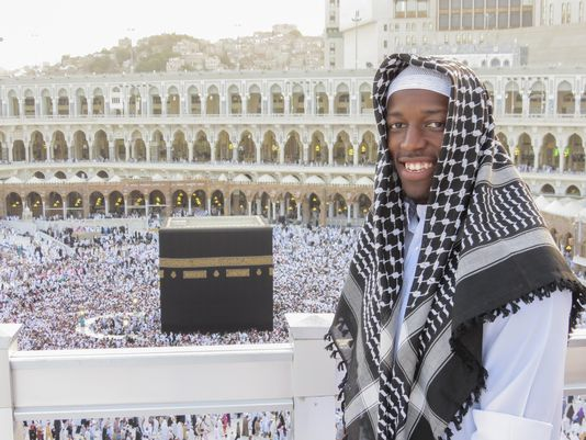 Husain Abdullah Praying