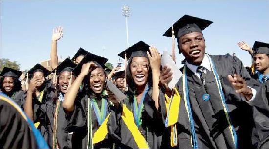 African-American-College-Graduates-from-HBCU-Hampton-University