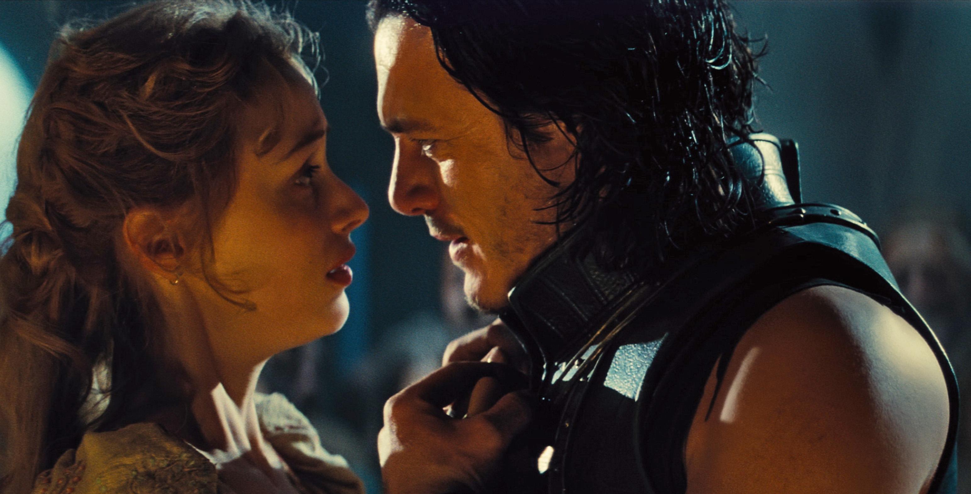 Sarah Gadon and Luke Evans in 'Dracula Untold'