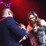 Beyonce's Mama Tina Knowles Jumps On Stage with Jamie Foxx (Watch)