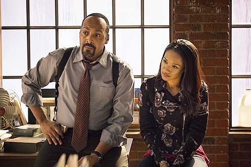 "The Flash - Season 1 - ""City of Heroes"" - Jesse L. Martin and Candice Patton"
