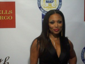 """Chante Moore (""""R&B Divas"""") arriving at the NAACP Theatre Awards. (Photo credit: Eunice Moseley)"""