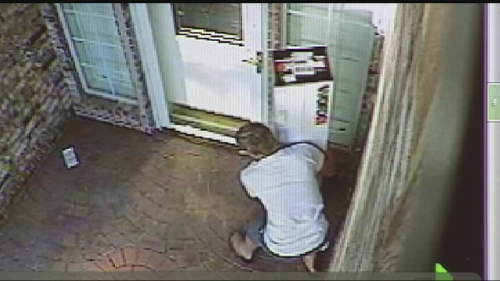img-Theft-from-front-porch-caught-on-camera