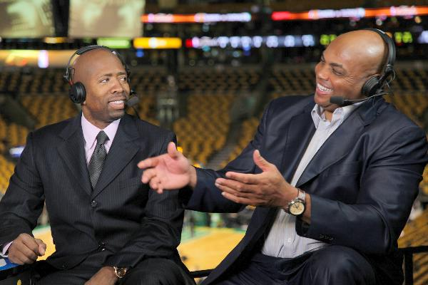 Kenny Smith Writes Open Letter to Charles Barkley About His Ferguson Comments