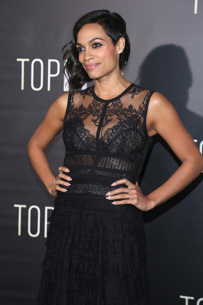 """Actress Rosario Dawson attends the """"Top Five"""" New York Premiere at Ziegfeld Theater on December 3, 2014 in New York City"""