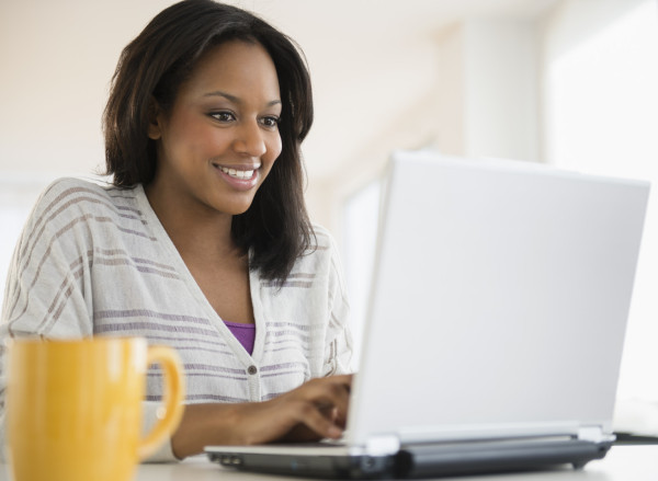 AFRICAN-AMERICAN-WOMAN-ON-COMPUTER-facebook