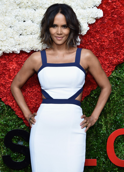 Actress Halle Berry attends God's Love We Deliver, Golden Heart Awards on October 16, 2014 in New York City