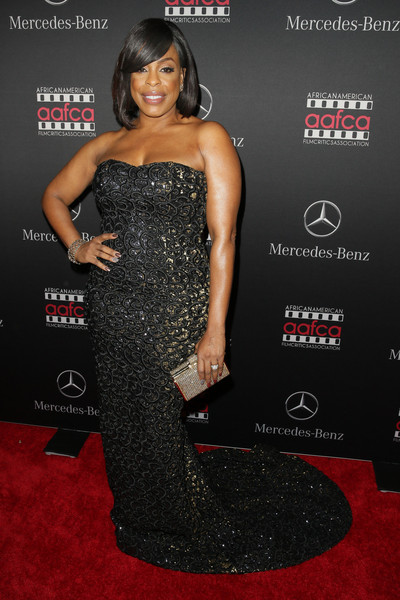 Actress Niecy Nash attends Mercedes-Benz USA and African American Film Critics Association Academy Awards viewing party on February 22, 2015 in Los Angeles, California