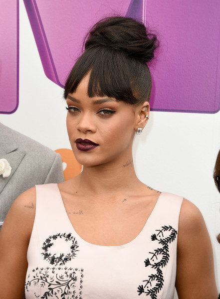 """Singer Rihanna attends the premiere of Twentieth Century Fox And Dreamworks Animation's """"HOME"""" at Regency Village Theatre on March 22, 2015 in Westwood, California"""