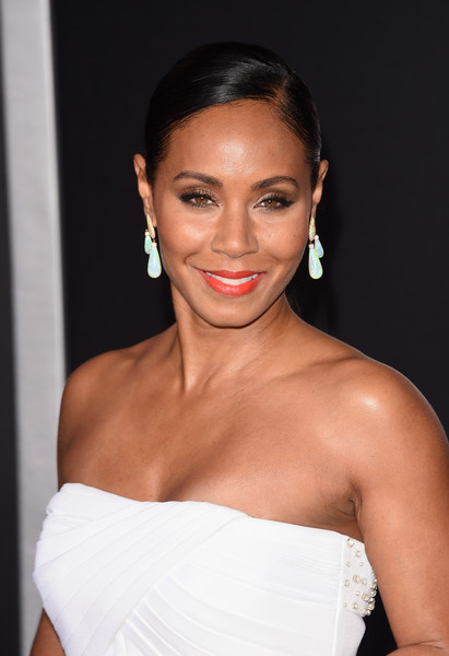"Actress Jada Pinkett Smith attends the Warner Bros. Pictures' ""Focus"" premiere at TCL Chinese Theatre on February 24, 2015 in Hollywood, California"