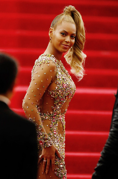 "Beyonce attends ""China: Through The Looking Glass"" Costume Institute Benefit Gala at Metropolitan Museum of Art on May 4, 2015 in New York City"
