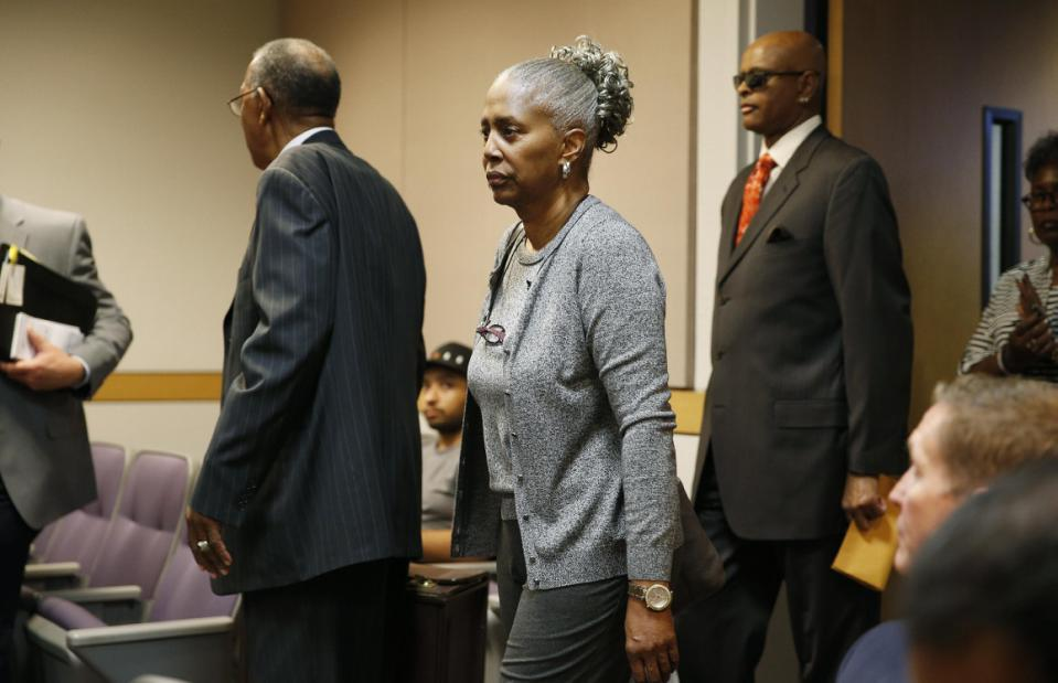 Laverne Toney, center, arrives in Clark County Family Court Thursday, May 7, 2015, in Las Vegas.