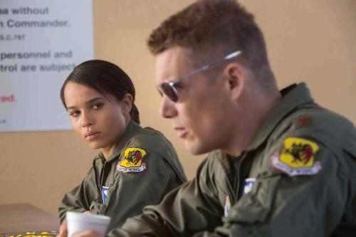 zoe kravitz & ethan hawk (good kill)
