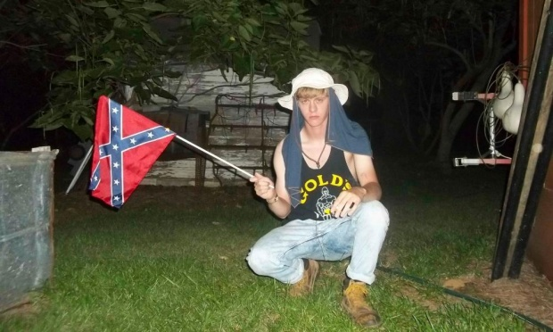dylann roof with confed flag