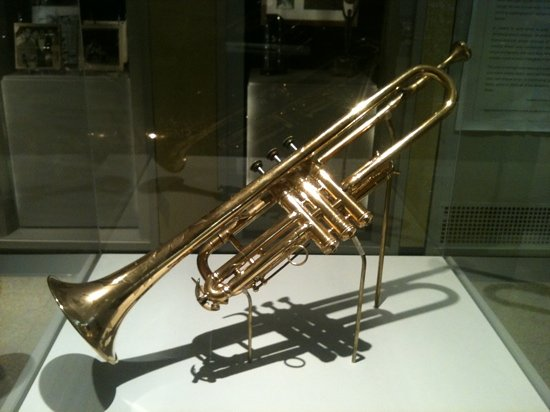 one-of-louis-s-trumpets