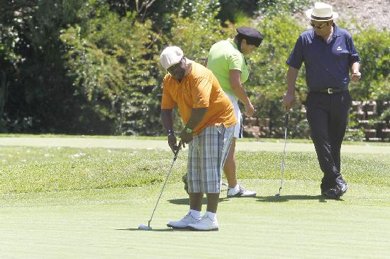 cedric the entertainer & more golfing