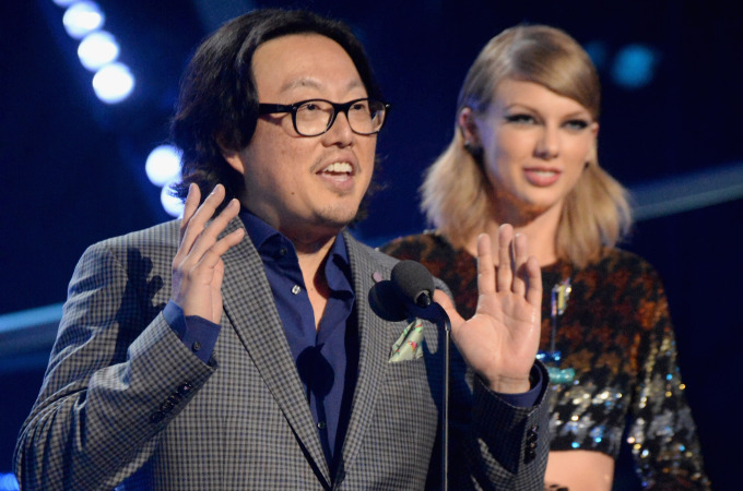 """Recording artist Taylor Swift (R) and director Joseph Kahn accept the Video of the Year award for """"Bad Blood"""" onstage during the 2015 MTV Video Music Awards at Microsoft Theater on August 30, 2015 in Los Angeles, California."""