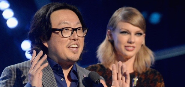 "LOS ANGELES, CA - AUGUST 30:  Recording artist Taylor Swift (R) and director Joseph Kahn accept the Video of the Year award for ""Bad Blood"" onstage during the 2015 MTV Video Music Awards at Microsoft Theater on August 30, 2015 in Los Angeles, California.  (Photo by Jeff Kravitz/MTV1415/FilmMagic)"