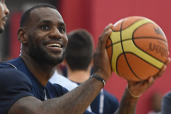 lebron-james-will-pay-for-1100-kids-to-go-to-coll-2-6275-1439570746-0_dblbig1