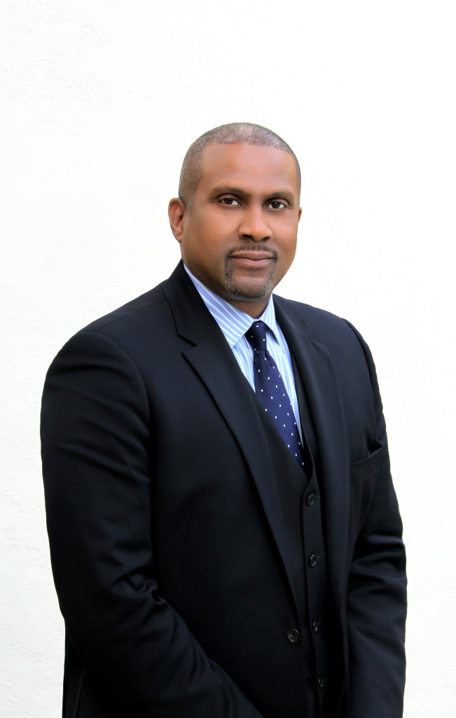 Warner Bros. Television Group Signs Exclusive Multi-Year Pod Deal with Broadcaster/Author/Producer Tavis Smiley
