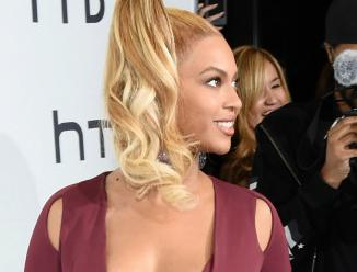 beyonce & assistant1