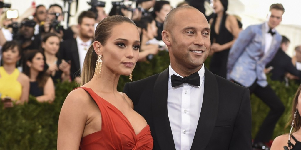 Derek Jeter and Hannah Davis arrive at the Costume Institute Gala Benefit at The Metropolitan Museum of Art May 5, 2015 in New York.