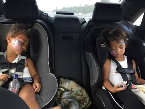 Kim Kardashian Posted To Instagram On Monday A Pic Of Her Daughter North West And Tot Friend Sleeping In Their Car Seats Course Fans
