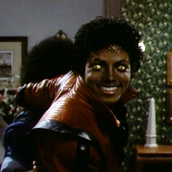lifesize-michael-jacksons-thriller-werewolf-8
