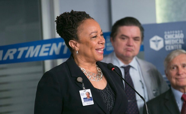 "CHICAGO MED -- ""The Green Branch"" Episode 101 -- Pictured: (l-r) S. Epatha Merkerson as Sharon Goodwin, Oliver Platt as Dr. Daniel Charles  -- (Photo by: Elizabeth Sisson/NBC)"