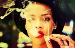 Rihanna-smoking-thumb2