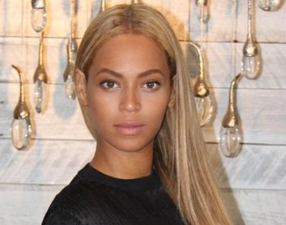 beyonce (long blonde hair)