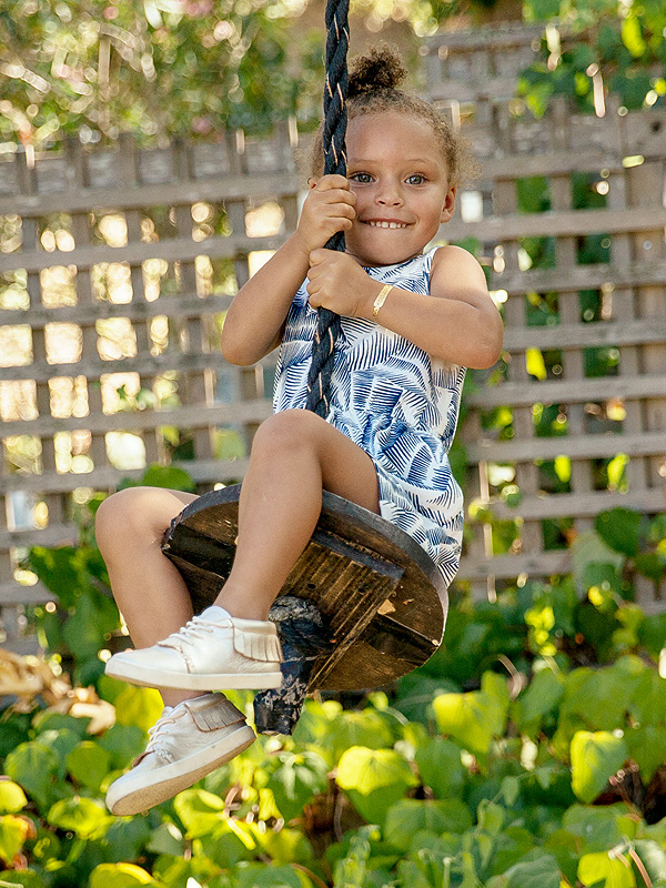 riley curry (swing)