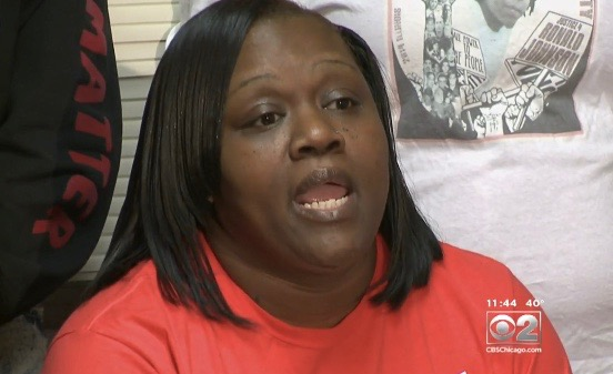 """Dorothy Holmes, the mother of Ronald """"Ronnieman"""" Johnson, holds press conference in Chicago"""