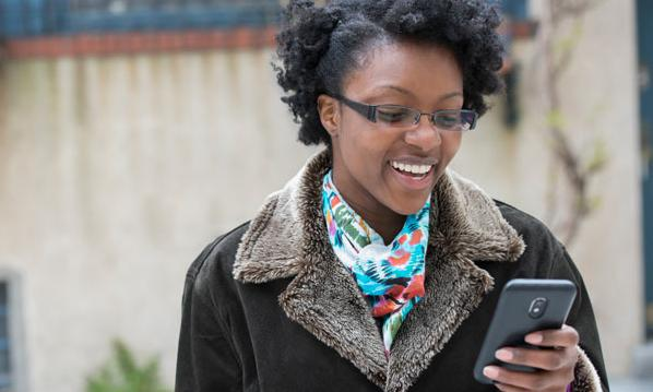 black woman with smartphone