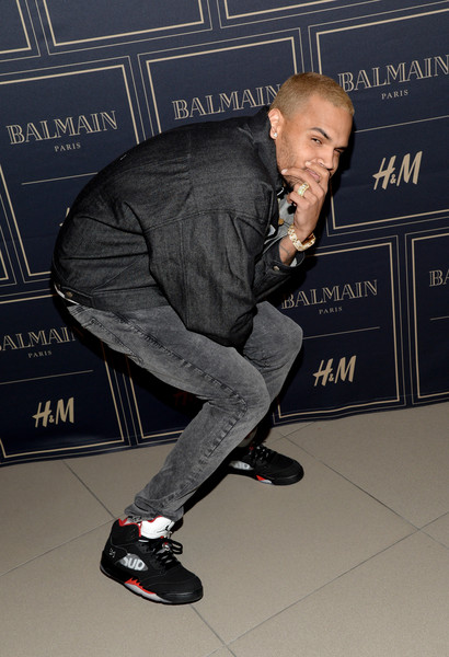 Recording artist Chris Brown attends the Balmain x H&M Los Angeles VIP Pre-Launch on November 4, 2015 in West Hollywood, California.