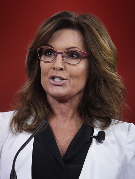 Former Alaska Governor Sarah Palin addresses the 42nd annual Conservative Political Action Conference (CPAC) February 26, 2015 in National Harbor, Maryland.