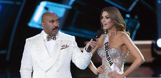 steve harvey & miss colombia