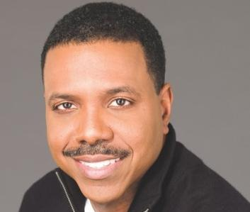 creflo dollar (headshot)