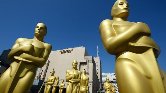 oscar statues (outside)