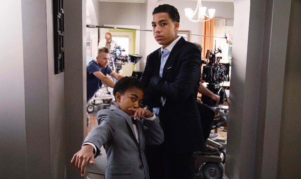 "BLACK-ISH - ""Keeping Up With The Johnsons"" - After a month of heavy spending, Dre and Bow start to question if they are living too large. Dre's crazy accountant, James Brown, has always been their go-to money guy, but when the topic of finances gets brought up at work, Mr. Stevens refers Dre to his more straight-laced accountant for a second opinion. Dre and Bow realize they need to be more financially responsible and try to prove to each other that they can live without their outrageous expenses. Meanwhile, the kids overhear their parents talking about money and Junior decides to start day trading, on ""black-ish,"" WEDNESDAY, JANUARY 20 (9:31-10:00 p.m. EST) on the ABC Television Network. (ABC/Kelsey McNeal) MILES BROWN, MARCUS SCRIBNER"